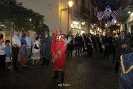 Il mazziere durante la processione - Foto di Armando Geraci
